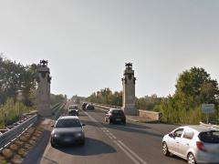 Il ponte sul fiume Metauro lungo la statale Adriatica 16 a Fano
