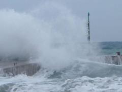 mareggiate e raffiche di vento: maltempo sulle Marche