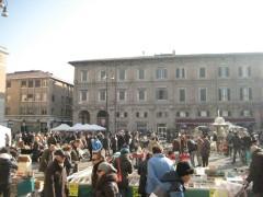 Pesaro, Stradomenica