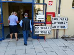 Elezioni 2015: l'affluenza in un seggio di Senigallia