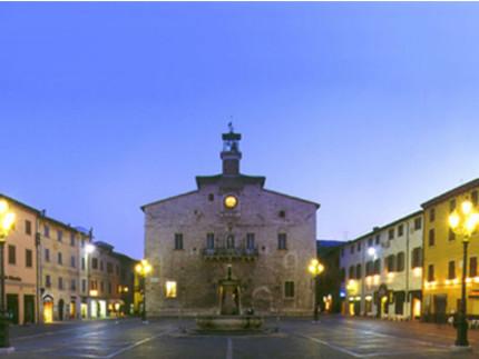 Piazza Matteotti a Cagli