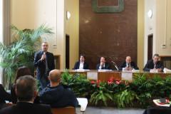 Matteo Ricci parla agli albergatori
