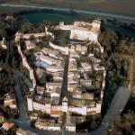 Il borgo e il castello di Gradara. Foto tratta da castellodigradara.it