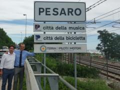 Pesaro, cartello ingresso città