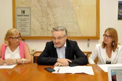 L'assessore ai trasporti della Regione Marche Angelo Sciapichetti illustra il contratto per i servizi ferroviari regionali con Trenitalia
