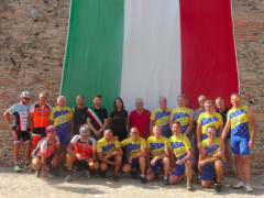 Ciclisti tedeschi dalla Germania a Cartoceto