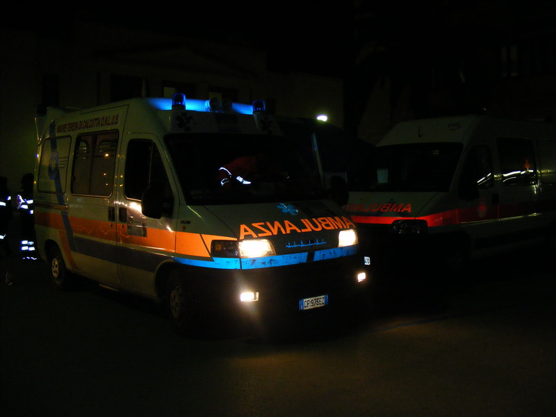 ambulanza di notte