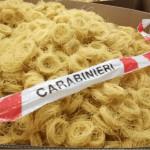 Pasta vietata in vendita e sequestrata