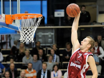 Basket: Pesaro prende un giocatore, arriva il lettone Kuksiks