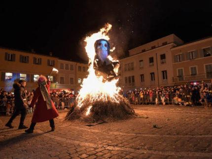 Rogo del Martedì Grasso in piazza a Fano