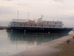 Nave nel porto di Pesaro