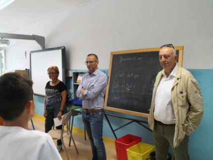 Matteo Ricci, Enzo Belloni e Giuliana Ceccarelli in una scuola