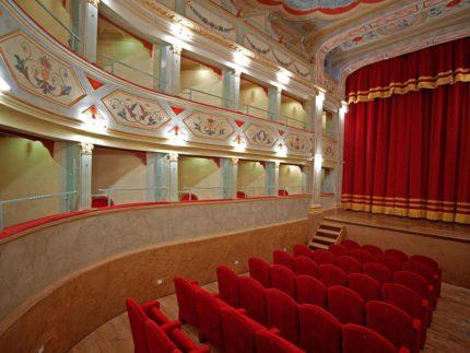 Teatro Apollo a Mondavio