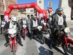 Un'edizione del motogiro d'Italia