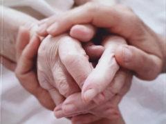 Comunicare attraverso il contatto fisico con le mani