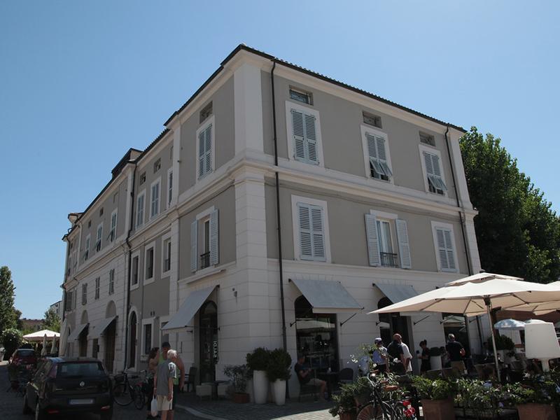 Ristrutturazione edificio piazza Saffi a Senigallia effettuata da ditta Marinelli Sisto - dopo