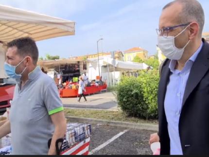 Pesaro, sopralluogo del sindaco Ricci al Mercato