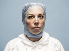 Personale sanitario fotografato da Alberto Giuliani