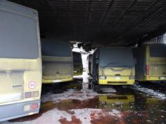 Scuolabus incendiati