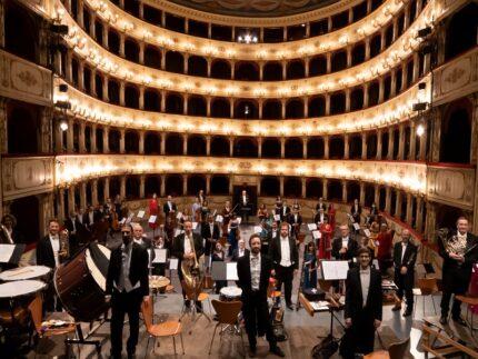 """Orchestra filarmonica """"Gioachino Rossini"""" al teatro Rossini di Pesaro"""